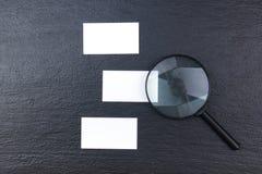 wizytówki szereg finansowe Korporacyjnego materiały ustalony mockup Puste miejsce textured gatunku ID elementy na drewnianym stol Obrazy Stock
