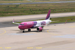 Wizz Air Airbus A320-232) (do WL/HA-LYN Fotos de Stock Royalty Free