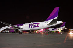 Wizz Air Airbus A320 at night Royalty Free Stock Image