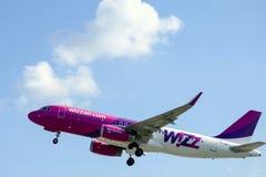 Wizz Air entfernen sich Stockbild