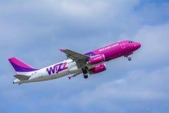 Wizz Air-vliegtuig Royalty-vrije Stock Fotografie