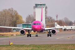 Wizz Luft Airbus A320 Lizenzfreie Stockfotografie