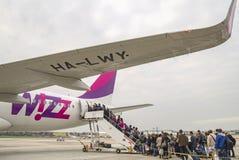 Wizzair Airbus all'aeroporto di Capodichino Napoli immagine stock