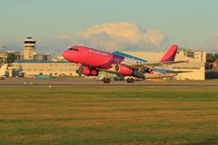 Wizzair plane starting from Gdansk airport Royalty Free Stock Photos