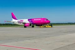 Wizzair samolot Zdjęcie Stock