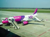 Wizzair samolot w Katowickim lotnisku Obraz Stock