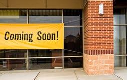 wkrótce się otworzyć sklep Obrazy Royalty Free