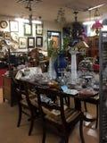 Wnętrze ładny antykwarski sklep Zdjęcia Stock
