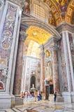 Wnętrze Świątobliwa Peter Katedra w Watykan Obrazy Stock