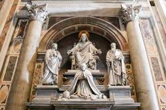 Wnętrze Świątobliwa Peter katedra w Watykan, Włochy obrazy royalty free