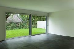 Wnętrze, żywy pokój i ampuły okno, Fotografia Royalty Free