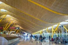 Wnętrze Barajas lotnisko międzynarodowe w Madryt, Hiszpania Fotografia Stock