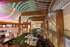 Wnętrze 360 centrum handlowe w Kuwejt Zdjęcia Royalty Free