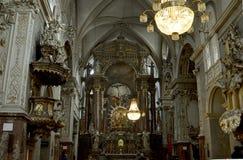 Wnętrze Franciszkański kościół St Hieronymus Jerome, Wiedeń, Austria zdjęcia stock