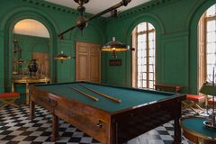Wnętrze Górska chata De Malmaison, Francja zdjęcie stock