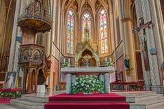 Wnętrze gotyka kościół St Ludmila w Praga Obrazy Royalty Free