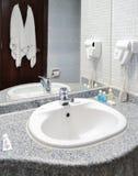 Wnętrze hotelowa łazienka obrazy stock