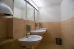 Wnętrze jawna toaleta Zdjęcia Stock