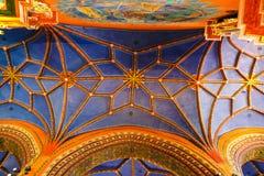 Wnętrze kościół katolicki budujący w fifteenth wieku w Gockim stylu zdjęcia stock