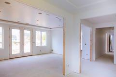 Wnętrze niedokończony instalacyjna budowa budynek mieszkalny obraz royalty free