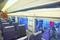 Wnętrze nowożytny prędkość pociąg pasażerski Hiszpańskie koleje Zdjęcia Stock