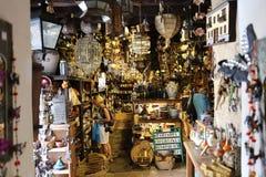 Wnętrze pamiątkarski sklep w Betancuria Fuerteventura, Fotografia Royalty Free