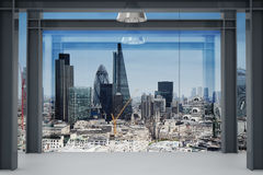 Wnętrze przestrzeń nowożytny pusty biurowy wnętrze z London miastem Zdjęcia Stock
