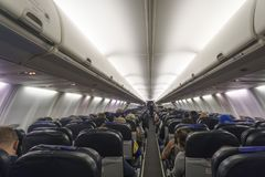 Wnętrze samolot z pasażerami Obrazy Stock