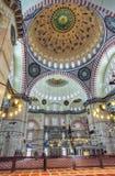 Wnętrze Suleymaniye meczet w Istanbuł, Turcja Zdjęcie Royalty Free