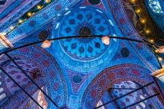 Wnętrze Sultanahmet meczet w Istanbuł, Turcja obrazy royalty free