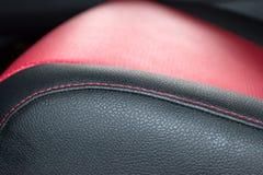 Wnętrze SUV samochód z odbudowywającą skórą w czarnym colo obraz stock
