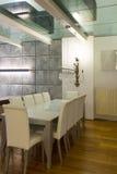 Wnętrze, szeroki loft, jadalnia Zdjęcia Royalty Free