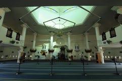 Wnętrze Tengku Tengah Zaharah meczet w Terengganu fotografia royalty free