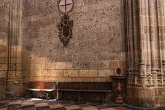 Wnętrze w kaplicie Nasz dama różaniec w katedrze Nasz dama wniebowzięcie, kąt wycofanie i modlitwa iluminująca, obrazy royalty free