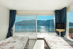 Wnętrze, wygodna sypialnia Fotografia Stock
