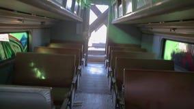 Wnętrze zaniechany taborowy chodzący kamery potrząśnięcie zdjęcie wideo