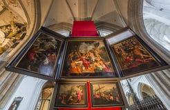 Wnętrza Notre paniusi d'Anvers katedry, Anvers, Belgia Obraz Stock