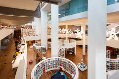Wnętrze biblioteka publiczna Amsterdam Zdjęcia Stock
