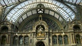 Wnętrze i dach Antwerp stacja kolejowa Zdjęcia Stock
