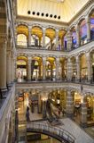 Wnętrze magnuma placu zakupy centrum handlowe w Amsterdam holandie Obrazy Royalty Free