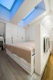 wnętrze nowoczesne sypialni Zdjęcia Royalty Free