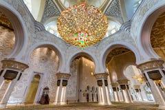 Wnętrze Sheikh Zayed Uroczysty meczet w Abu Dhabi, Zjednoczone Emiraty Arabskie Obraz Stock