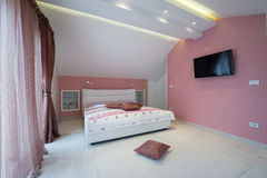 Wnętrze specious sypialnia Zdjęcia Royalty Free