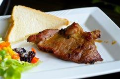 wołowina piec na grillu sałatkowy stek Zdjęcie Royalty Free