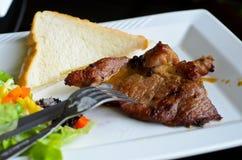 wołowina piec na grillu sałatkowy stek Fotografia Stock