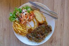 Wołowina polędwica piec na grillu stek, Odgórny widok zdjęcia stock