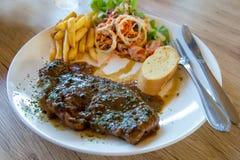Wołowina polędwica piec na grillu stek, w górę fotografia royalty free