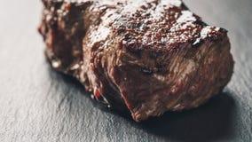 Wołowina stek od antrykot części na łupek desce Zdjęcie Royalty Free
