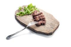 Wołowina z rozwidleniem na drewno desce odosobniony Ścieżka zawierać Obraz Royalty Free