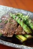 Wołowina 2 i asparagus Zdjęcie Royalty Free